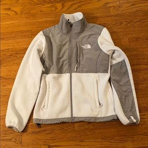 North Face women's Denali jacket in white and grey